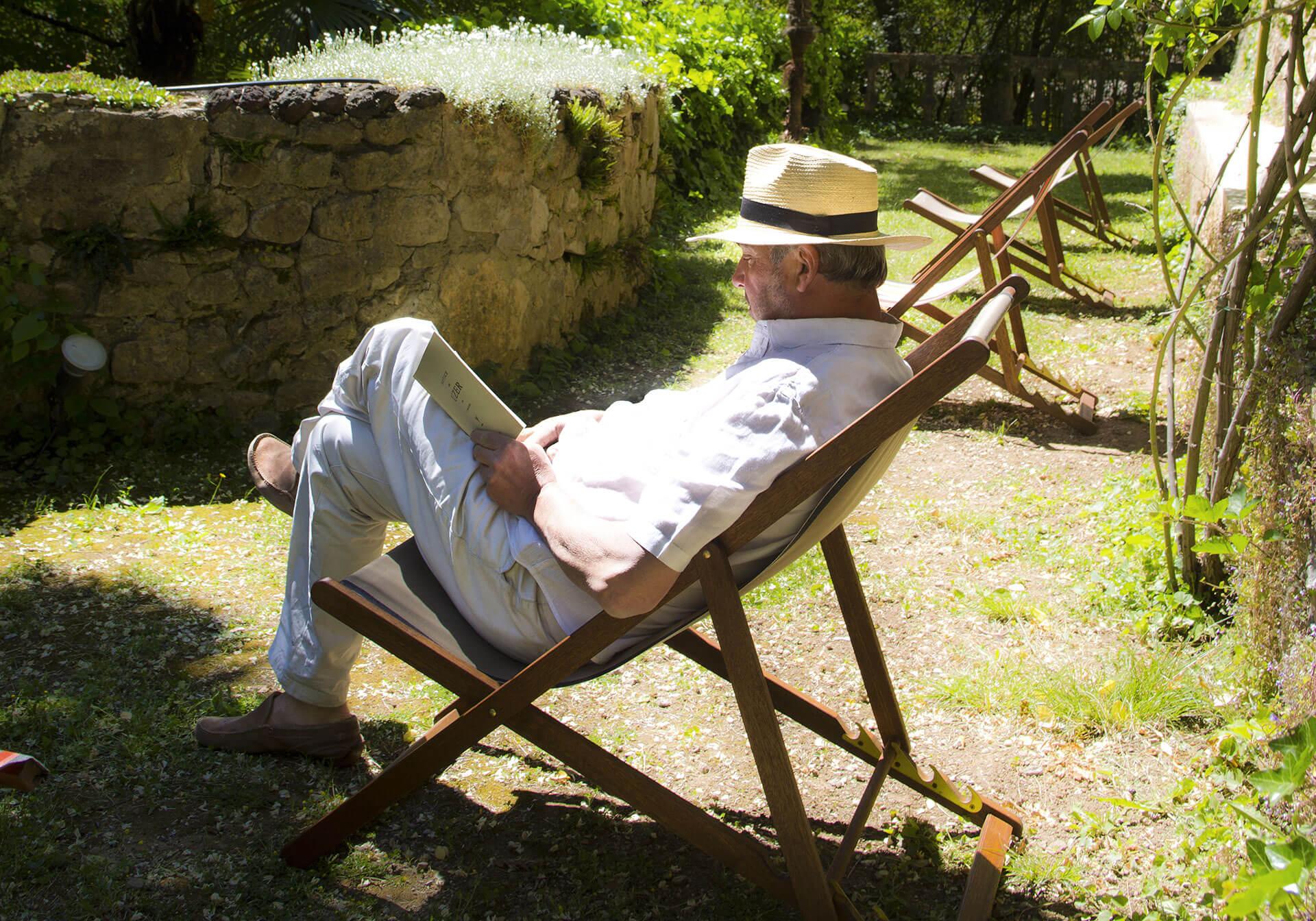 Pour réserver votre séjour de charme au Château d'Uzer